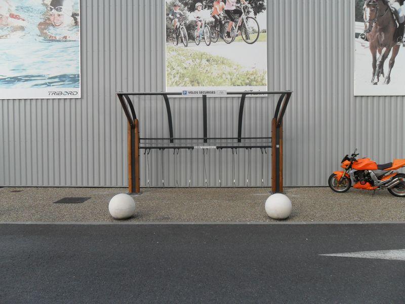 abri solide et sécurisé pour vélos