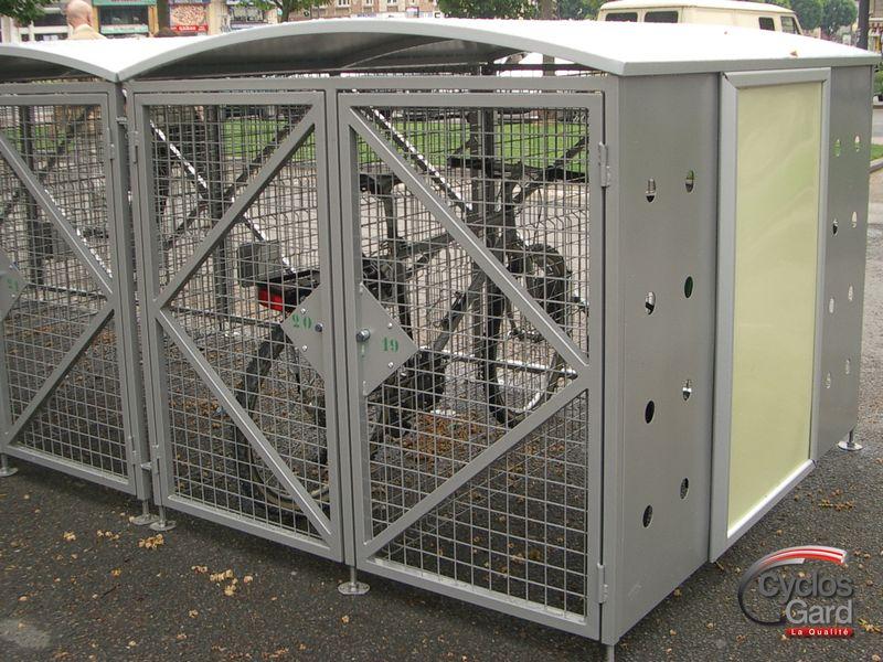 parc sécurisé pour deux roues